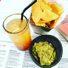 FRIYAY  @wahaca #lovelondon #foodculture #foodie #wahaca #southbank #londonlife #londonfoodie #mexican #mexicanfood #guacamole #tortilla #cocktails #weekend #weekendfood #weekendvibes #friday #win