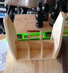 Sure, you don't need a wooden six pack to transport your beer, but you certainly want one! A wooden six pack is practical, reusable, du...