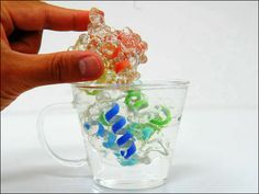 3Dプリンターで制作された組み立て・分解が可能な立体タンパク質分子モデル