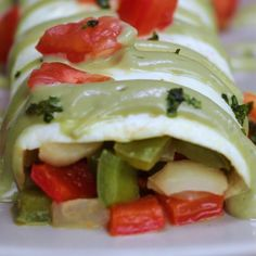 Delicious Low-Carb Egg White Omelette #eggs #breakfast #avocado