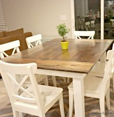 Add the warm rustic feeling to your house with the farmhouse style table. Here& a collection of 40 free DIY farmhouse table plans and ideas. White Farmhouse Table, Farmhouse Table Plans, Farmhouse Dining Room Table, Wooden Dining Tables, Rustic Table, Rustic Decor, Farmhouse Furniture, Farmhouse Design, Rustic Design