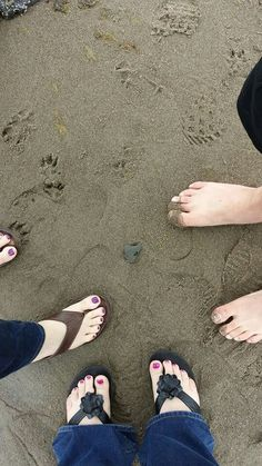 Lincoln city with mom Girly M, Foot Prints, Boys Dpz, Hijab Outfit, Lincoln, Snapchat, Islam, Graduation, Hearts