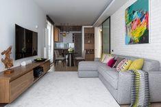 Másfél szobás lakás két személynek kényelmesen berendezve - szép fa felületek, színes kiegészítők