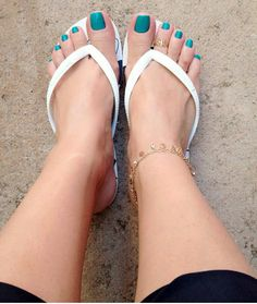 Image may contain: one or more people, shoes and closeup Cute Toes, Pretty Toes, Flipflops, Teen Feet, Soft Feet, Foot Toe, Beautiful Toes, Sexy Sandals, Sexy Toes