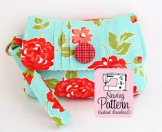 PDF Sewing Pattern Pintuck Wristlet by michellepatterns on Etsy