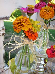 Recycle lightbulbs into vases