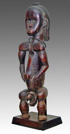 Fang-Ntumu Reliquary Guardian Figure Gabon 73 cm. Wood, metal. Late 19th century. Collection PD.