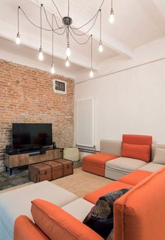 Bright loft with a brick wall and modular sofas. More at Nomade Archite Sofas, Interior And Exterior, Interior Design, Loft House, Cozy Room, Loft Design, Bedroom Inspo, Modern, Furniture