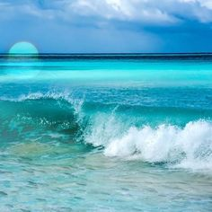 I want to cook, my husband and I collect wine, and in my head, I am continuously on island, walking the beach listening to the song of the ocean. Ocean Scenes, Beach Scenes, Jamaica Vacation, Vacation Spots, Waves Photography, Nature Photography, Portrait Photography, Wedding Photography, Beach Art