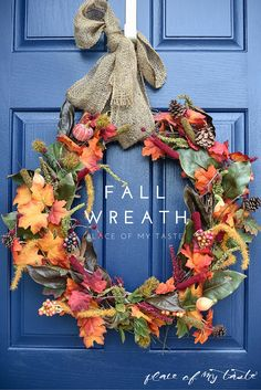 We find creative and budget friendly ways to add a little seasonal decor to your home, So here are 22 gorgeous DIY fall decor ideas you love to decorate this year. DIY fall decor ideas that you can… Easy Fall Wreaths, Diy Fall Wreath, Holiday Wreaths, How To Make Wreaths, Wreath Ideas, Fall Diy, Wreath Bows, Door Wreaths, Grapevine Wreath