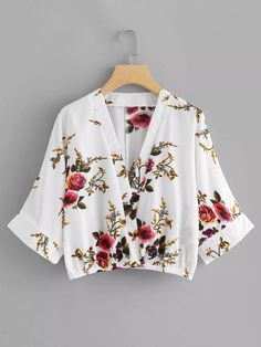 Floral Print Kimono Sleeve Blouse -SheIn(Sheinside) Source by clothes Fashion News, Girl Fashion, Fashion Top, Fashion Clothes, Fashion Outfits, Dress Clothes, Spring Shirts, Summer Blouses, Woman Outfits