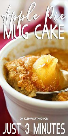 Apple Pie Mug Cake everything you love about cinnamon apple pie in an easy mug cake. Quick easy desserts don't get any better than this! Apple Deserts Easy, Quick Apple Dessert, Healthy Apple Desserts, Dessert In A Mug, Quick Easy Desserts, Coffee Dessert, Köstliche Desserts, Delicious Desserts, Mug Recipes