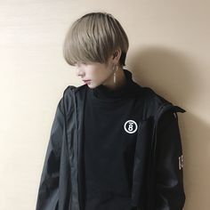 asian boy, ulzzang, and aesthetic image Short Hair Tomboy, Asian Short Hair, Hair Inspo, Hair Inspiration, Hair Color Asian, Androgynous Hair, Tomboy Hairstyles, Shot Hair Styles, Ash Blonde Hair