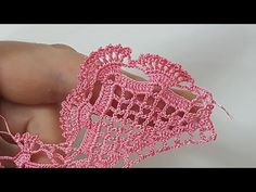 This Pin was discovered by Cle Crochet Lace Edging, Crochet Motifs, Crochet Borders, Thread Crochet, Crochet Trim, Filet Crochet, Irish Crochet, Crochet Doilies, Crochet Flowers