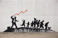 Known for his satirical style and political remarks, Banksy never misses an opportunity to make a statement. Murals of this iconic graffiti artist have been popping up all around New York City for a while now, and 2018 is no exception. Banksy Artwork, Banksy Graffiti, Bansky, Graffiti Painting, Banksy Paintings, Coney Island, Street Art Banksy, New York, Famous Street Artists