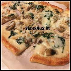 Fat Head Pizzabodem Ketogeen, koolhydraatarm, vegetarisch, glutenvrij, eivrij. Dit is 'm dan: de beroemde Fat Head Pizza! Lekkere dunne maar toch stevige bodem die je echt gewoon met de hand kan eten. En ook nog heerlijk van smaak, deegachtig, bijna niet van echt... #fatheadpizza #pizza #pizzabodem