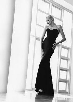 Fashion's New Form 4, Malibu, 1995  Photographer: Herb Ritts  Model: Nadja Auermann