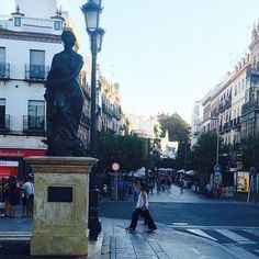From tapas to beer, flamenco to modern art, there's so much to see, do, and taste in Seville that your only problem will be trying to fit it all in!