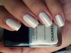 Find images and videos about white, nails and chanel on We Heart It - the app to get lost in what you love. Get Nails, Love Nails, How To Do Nails, Hair And Nails, Edgy Nails, Fabulous Nails, Gorgeous Nails, Pretty Nails, Chanel Nail Polish