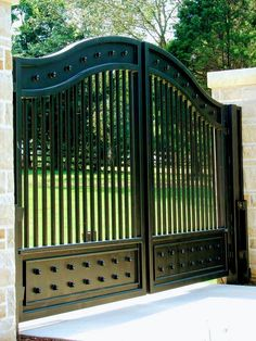 China Beautiful Wrought Iron Entrance Gate for Driveway, Find details about China Driveway Iron Gate, Security Sliding Gate from Beautiful Wrought Iron Entrance Gate for Driveway - Xiamen Lion Iron Doors Co. House Main Gates Design, Front Gate Design, Door Gate Design, Fence Design, Landscaping Design, Iron Main Gate Design, Fence Landscaping, Garden Design, Wrought Iron Driveway Gates