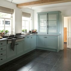 Grey Slate Kitchen Flooring - The appearance of the past is gone. Slate Kitchen, Blue Kitchen Cabinets, Kitchen Tiles, Kitchen Flooring, Country Kitchen, New Kitchen, Kitchen Decor, Aqua Kitchen, Green Cabinets