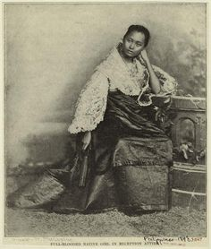 Full blooded native girl in reception attire, Manila, Philippines, 1899 or before Les Philippines, Philippines Fashion, Philippines Culture, Philippines Travel, Old Photos, Vintage Photos, Trinidad, Native Girls, Filipino Culture