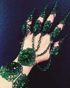 Hand Jewelry, Cute Jewelry, Body Jewelry, Jewlery, Steam Punk Jewelry, Gothic Jewelry, Full Finger Rings, Hand Accessories, Hand Bracelet