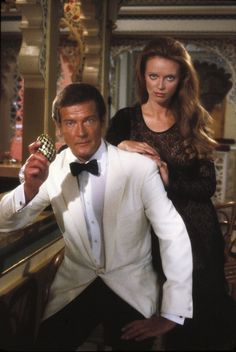 Thereza Rebouças: it's Bond... Bond Girl!