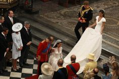 Prince William Kate bow curtsy to the Queen after their wedding ceremony