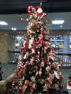 Serious tree envy! Her site has some great christmas trees!!
