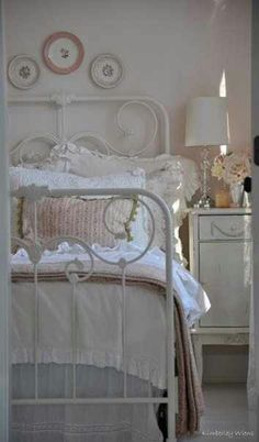 Boudoir:  Shabby Chic #bedroom.