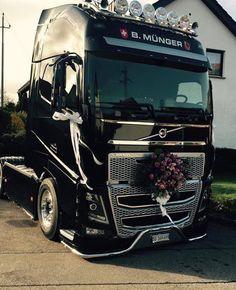 Stunning Volvo Truck #volvo #volvotrucks #truckinglife #volvotrucksmoment…