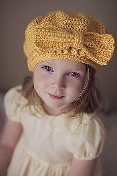 Pretty As a Package Hat Pattern Crochet Bonnet Crochet, Crochet Baby Hats, Crochet Beanie, Knit Or Crochet, Crochet For Kids, Crochet Crafts, Crochet Projects, Knitted Hats, Cute Hats