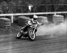 (not sure who) Dirt Track Motorcycle Racing. Flat Track Motorcycle, Flat Track Racing, Tracker Motorcycle, Motorcycle Art, Motorcycle Posters, Racing Motorcycles, Vintage Motorcycles, Vintage Bikes, Grand Prix