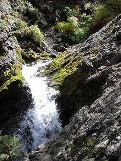 Donut Falls - 1.5 mile hike - Salt Lake City, UT - Kid friendly activity reviews - Trekaroo