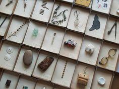 ここのところ。更新がないまま何をしていたかというと。こんなん、集めたり、作ったりをしていました。久しぶりの展示参加(しかもなぜか2連発)。福岡にて、大好きな古道具屋さん「ふくや」にて、4組展 fukuya de quartet(フクヤデカル