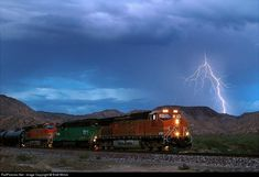 RailPictures.Net Photo: BNSF 4055 BNSF Railway GE C44-9W (Dash 9-44CW) at Valentine, Arizona by Brett Wirick