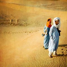 sahara desert blue berber men