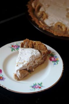 Kitchen Grrrls.: Vegan Banana Dulce de Leche Pie
