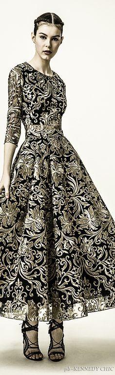 e4ab3f13e9 (1) Pinterest • Le catalogue d'idées Women's Haute Couture Fashion, Concert