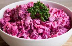 Leckerer kalorienarmer Salat, auch als Abendbrot - салаты - Garlic Salad Recipe, Top Salad Recipe, Salad Recipes, Haitian Potato Salad Recipe, Haitian Food Recipes, Potato Recipes, Beef Recipes, Cooking Recipes, Healthy Recipes