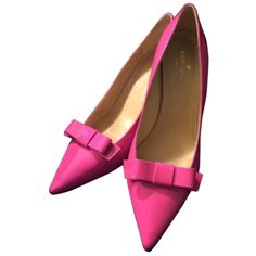 Pre-owned Kate Spade Janira Hot Pink Pumps found on Polyvore featuring polyvore, women's fashion, shoes, pumps, scarpe, обувь, hot pink, high heel court shoes, high heel shoes and bow pumps