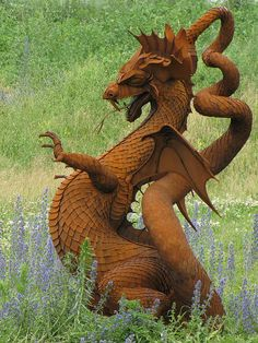 Dragon, metal art, found on a back road country drive somewhere between Sutton and Beaverton, Ontario, Canada. By Canadian sculptor Ken Nice. Fantasy Dragon, Dragon Art, Fantasy Art, Dragon Statue, Dragon Garden, Red Dragon, Magical Creatures, Fantasy Creatures, Dragon Medieval