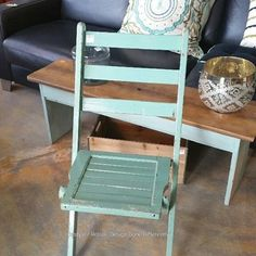 Vintage Green Chippy Folding Chair! https://www.instagram.com/p/BIbCqQChcMb/#utm_sguid=126328,a2ee4b36-ab57-3b65-1d5f-75d8d4f8e995