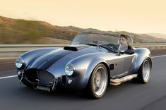 Superformance is a distributor of complete rolling continuations from the sixties like the Shelby Cobra, Daytona Coupe, and the Corvette Grand Sport. Ac Cobra, Ford Shelby Cobra, Shelby Car, Car Ford, Ford Gt, My Dream Car, Dream Cars, Cobra Replica, Corvette Grand Sport