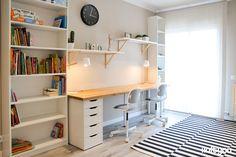 Flat in C / Nápoles - i loft you - Interior Design - Ikea DIY - The best IKEA hacks all in one place Guest Room Office, Home Office Space, Home Office Design, Interior Design Ikea, Flat Interior, Ikea Billy Bookcase Hack, Billy Bookcases, Ikea Workspace, Ikea Eket
