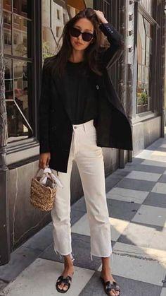 Black blazer over black tee, white cropped denim, Hermes black sandal, small straw bag Fashion Mode, Look Fashion, Womens Fashion, Spring Fashion, Fashion Trends, Classic Fashion Style, Fashion Tips, Fashion Beauty, Fashion 2018