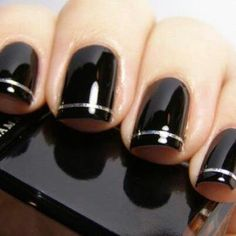 Want this but with gold instead of silver and an all gold accent nail