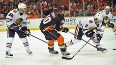http://sidelinebuzz.com/live-corey-perry-strikes-as-anaheim-ducks-chicago-blackhawks-tied-2-2/