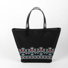 Iutta for Queen Marie of Romania Diy Bags, Shoulder Bag, Tote Bag, My Style, Fashion Bags, Folk Art, Google, Hands, Fashion Handbags